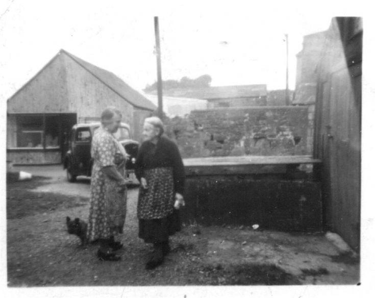 Mary Reid (Nana) and Jessie MacLeman (Kelvin)